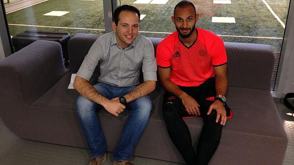Zwischen dem Playoff-Hinspiel in Kopenhagen und dem Bundesligastart in Dortmund traf sich Leverkusens Ömer Toprak zum Gespräch mit Redakteur Konstantin Betsis.