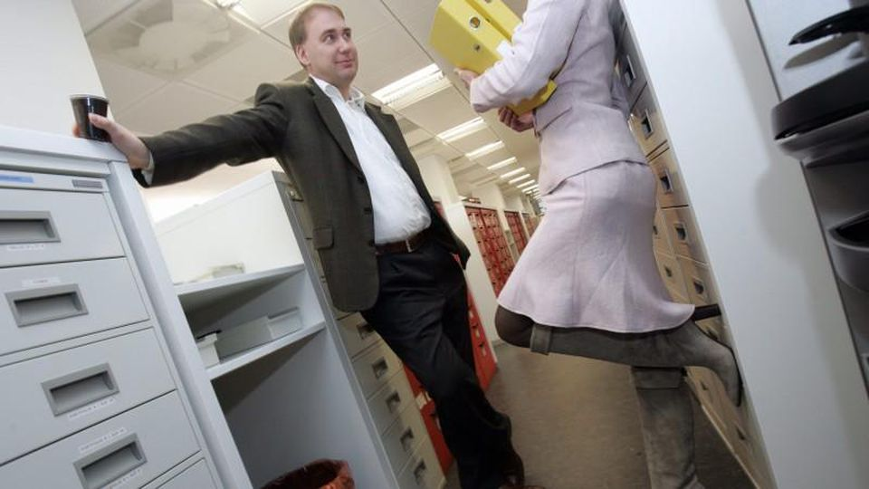 Im Büro führt das ein oder andere Pausengespräch zur engeren Kontaktaufnahme.