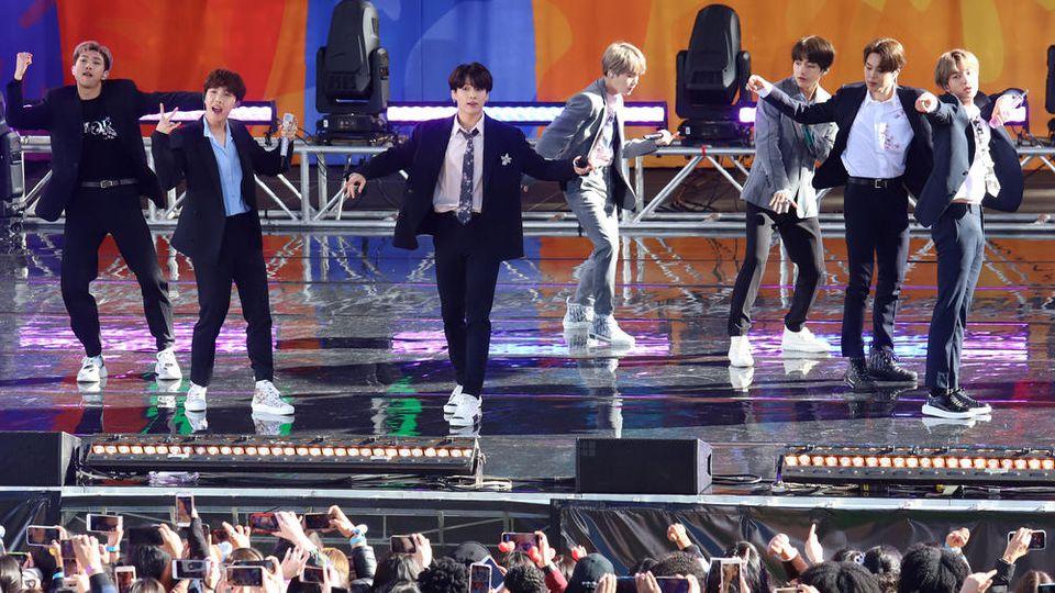 BTS bei einem Auftritt in New York City