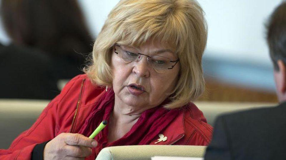 Die damalige Abgeordnete im Landtag von Mecklenburg-Vorpommern, Barbara Borchardt (Die Linke). Foto: Jens Büttner/dpa-Zentralbild/dpa