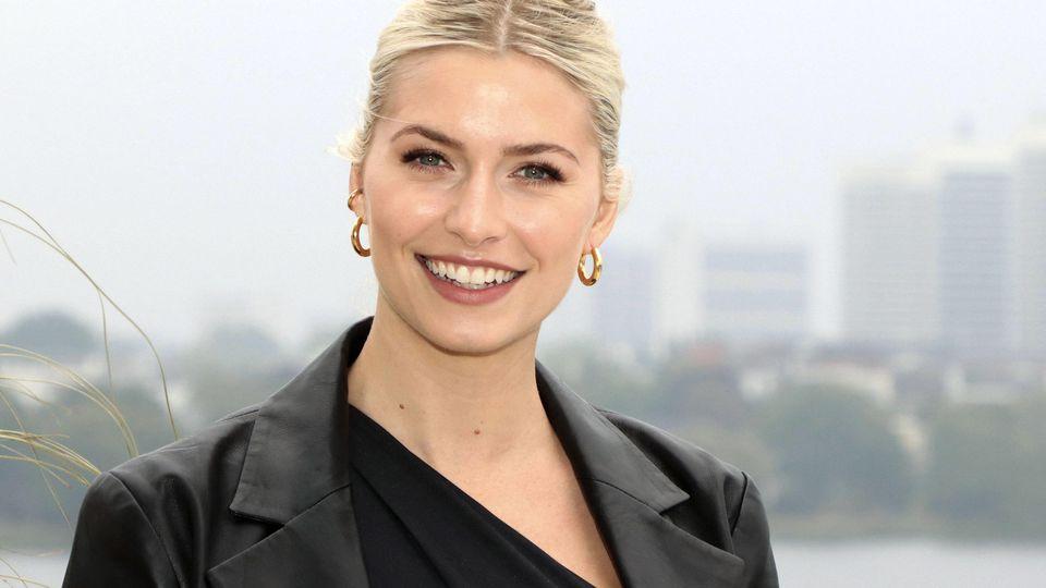 Lena Gercke ist als Model und Influencerin bekannt. Doch auch ihre Halbschwester Yana ist schön und talentiert.