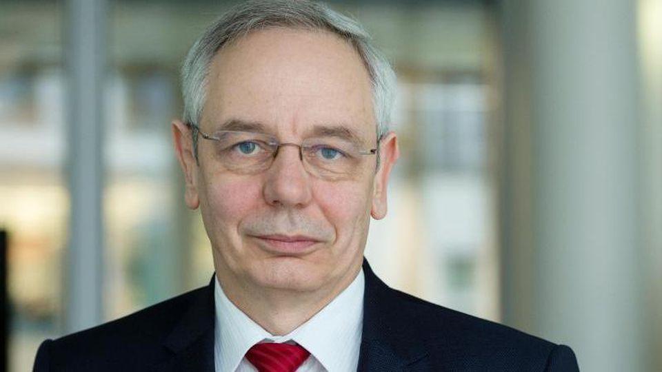 Michael Vassiliadis, Vorsitzender der Gewerkschaft IG Bergbau, Chemie, Energie (IG BCE). Foto: Monika Skolimowska/dpa/Archivbild
