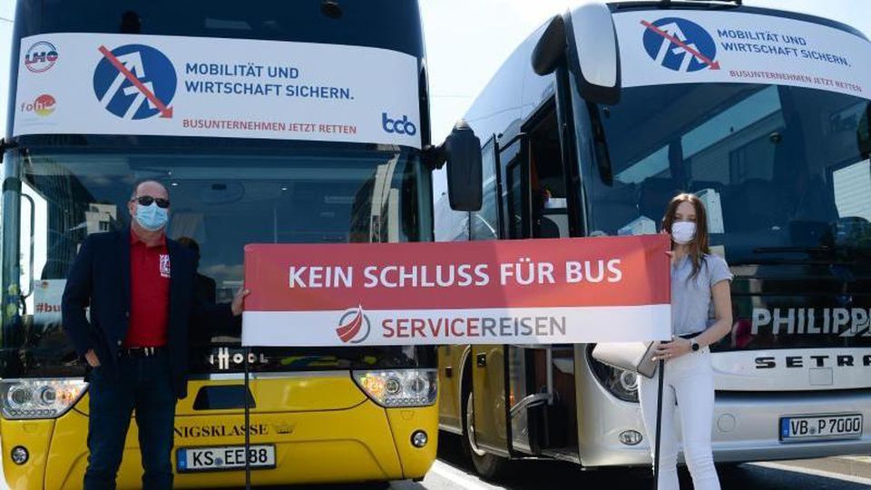 Proteste der Bus-Unternehmer. Foto: Sebastian Kramer/dpa/Archivbild