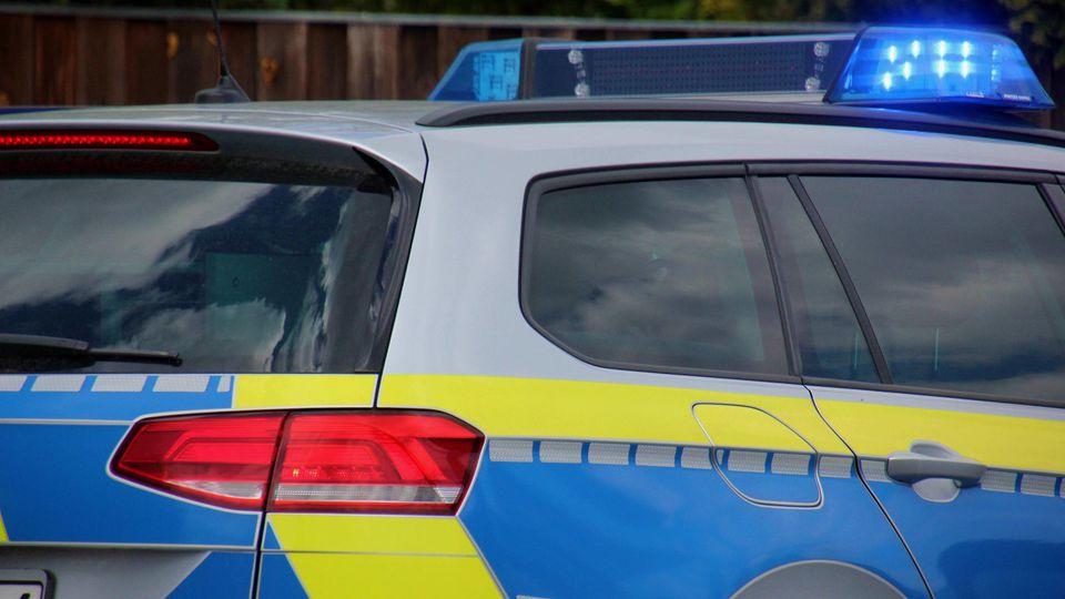 Symbolbilder / Themenbilder: Polizei, Rettungsdienst, Feuerwehr Feuerwehr, Rettungsdienst, Polizei, Einsatz, Blaulicht,