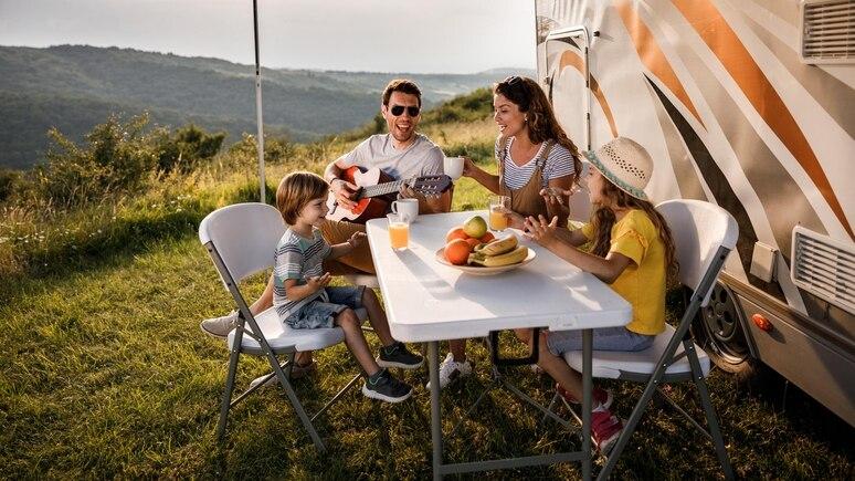 Urlaub im Wohnmobil oder Wohnwagen boomt.