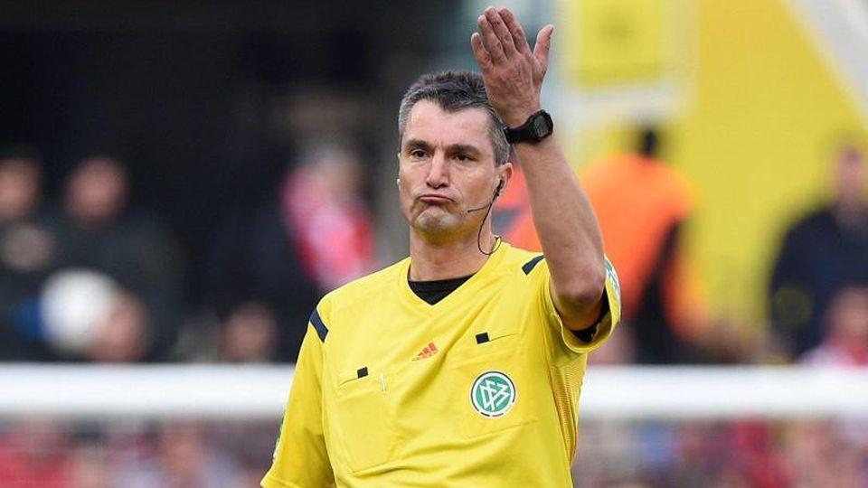 Sorgt sich um seine ehemaligen Kollegen: Ex-Schiedsrichter Knut Kirchner. Foto: picture alliance / dpa