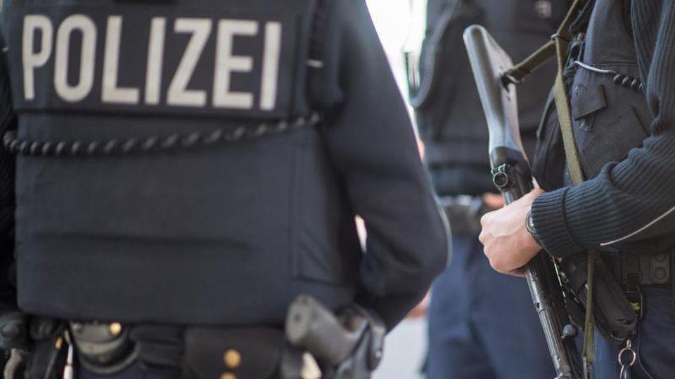 Beamte der Bundespolizei. Foto: Matthias Balk/dpa/Symbolbild