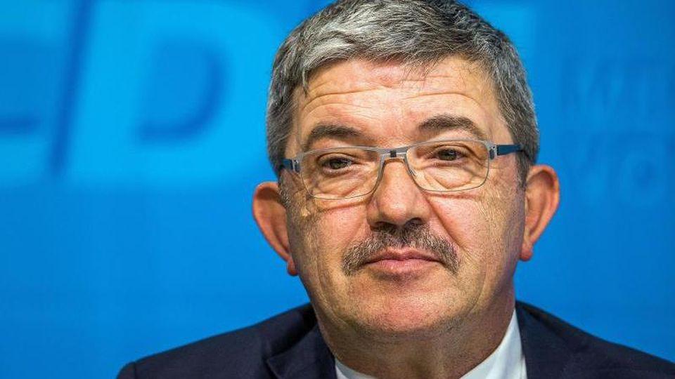 Der Innenminister von Mecklenburg-Vorpommern, Lorenz Caffier (CDU). Foto: Jens Büttner/Archiv