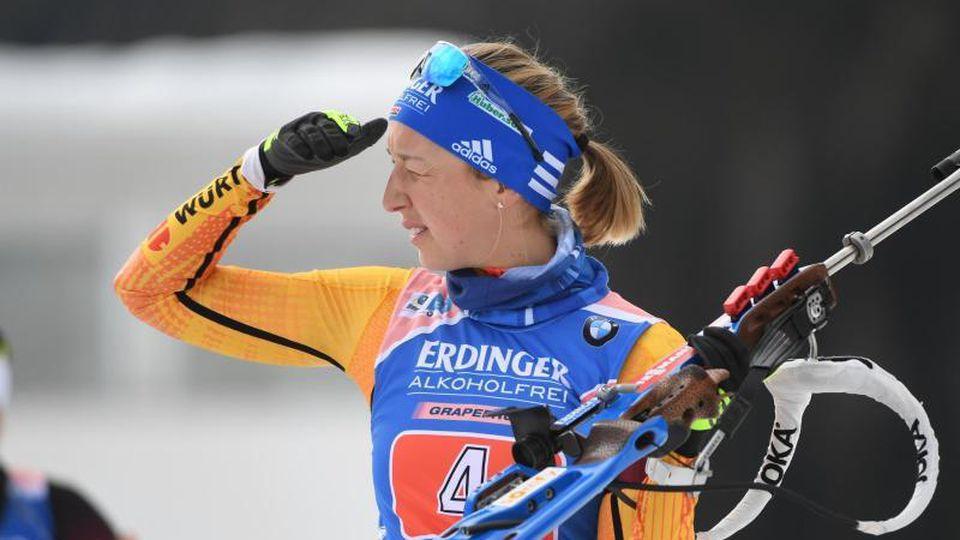 Biathletin Franziska Preuß will auch im Massenstartrennen um die WM-Medaillen mitlaufen. Foto: Hendrik Schmidt/dpa