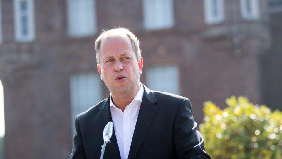 Joachim Stamp (FDP), stellvertrretender Ministerpräsident von Nordrhein-Westfalen. Foto: Federico Gambarini/dpa/Archivbild