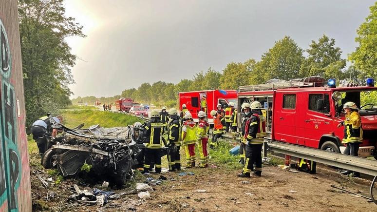Tödlicher Unfall auf der A57 (Foto: Feuerwehr Goch)