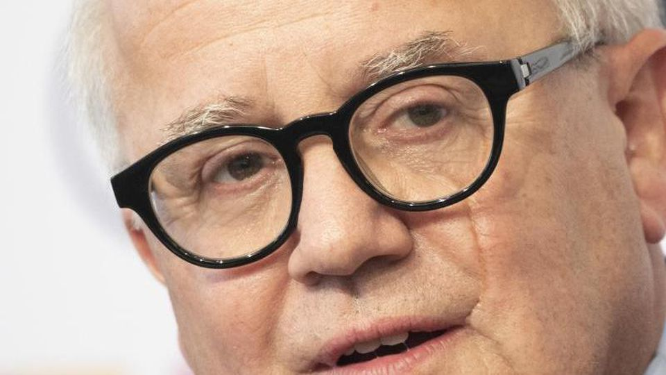 Fritz Keller spricht bei einer Pressekonferenz. Foto: Boris Roessler/dpa/Archivbild