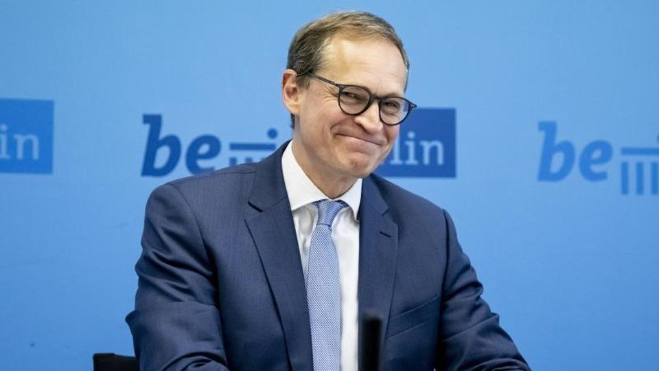 Michael Müller (SPD), Regierender Bürgermeister von Berlin, bei einer Pressekonferenz. Foto: Christoph Soeder/Archivbild