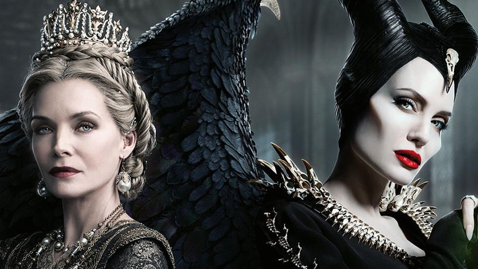 Michelle Pfeier, Angelina Jolie und Elle Fanning in Maleficent 2.