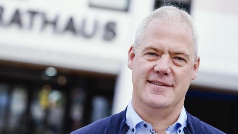 Ralf Hechler, Bürgermeister der Verbandsgemeinde Ramstein-Miesenbach. Foto: Uwe Anspach/dpa/Archivbild