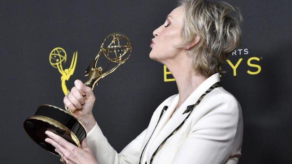 """Jane Lynch wurde in der Kategorie """"herausragende Gastdarstellerin"""" in der Serie """"The Marvelous Mrs. Maisel"""" ausgezeichnet. Foto: Richard Shotwell"""