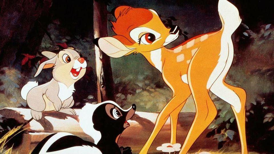 Bambi mit seinen Freunden Klopfer (Hase) und Blume (Stinktier)
