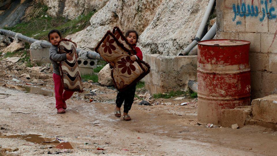 Nach UN-Angaben sind inzwischen 950.000 der drei Millionen Einwohner der Region auf der Flucht.