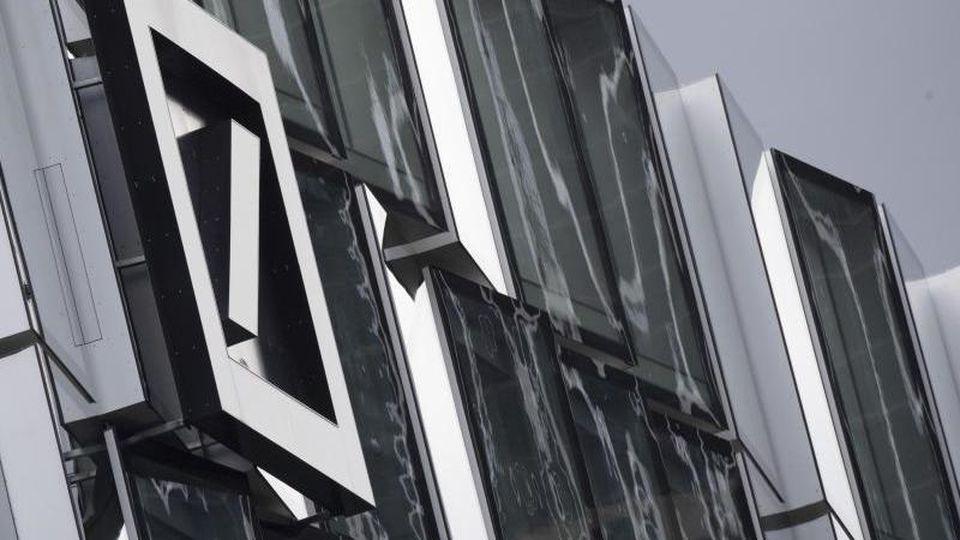 Die Deutsche Bank sieht sich mit schweren Vorwürfen konfrontiert. Foto: Boris Roessler/dpa