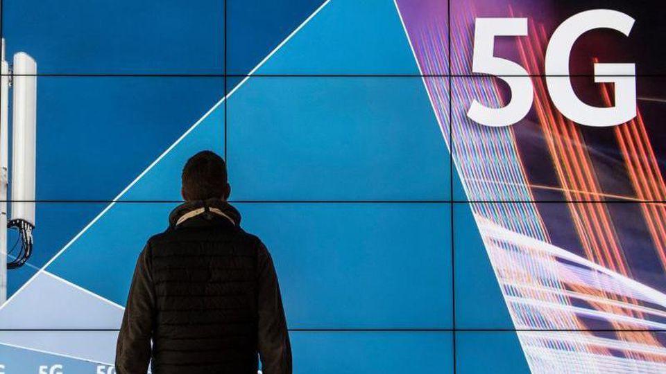 Laut Bundesnetzagentur liegen die Gebote der Telekommunikationsunternehmen bereits jetzt bei über sechs Milliarden Euro. Foto: Boris Roessler