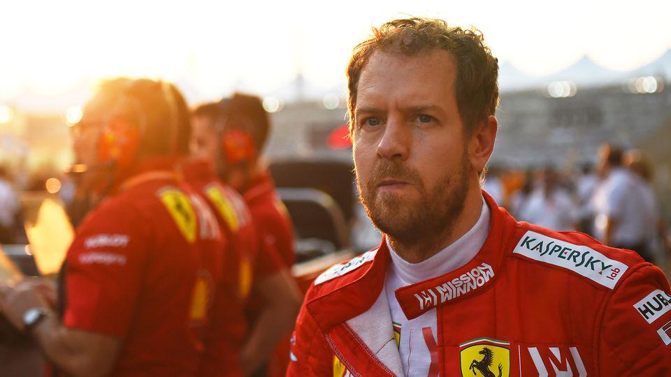01.12.2019, xekx, Motorsport FIA, Formel 1 Großer Preis von Abu Dhabi - Rennen 2019 emspor, Sebastian Vettel Ferrari DFL/DFB REGULATIONS PROHIBIT ANY USE OF PHOTOGRAPHS as IMAGE SEQUENCES and/or QUASI-VIDEO Abu Dhabi *** 01 12 2019, xekx, Motorsport