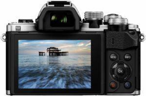 Die Serienbildfunktion einer Systemkamera im Test und Vergleich