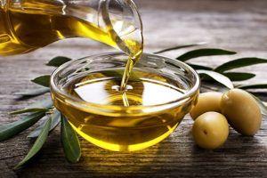 So wird Olivenöl im Test und Vergleich getestet