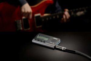 Die einfache Bedienung vom Stimmgerät Gitarre Testsieger im Test und Vergleich