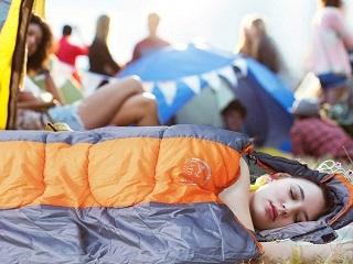 Der Camping Schlafsack von Lattcure hat viele Vorteile im Test gezeigt