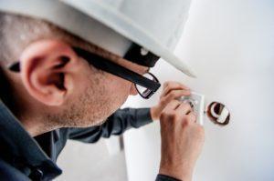 Nach diesen Testkriterien werden Billig Strom Anbieter bei uns verglichen