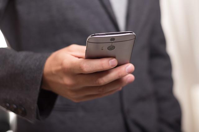 Wie viel Euro kostet ein Handy Testsieger im Online Shop?