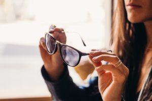 Nach diesen Testkriterien werden Brillen Shops bei uns verglichen