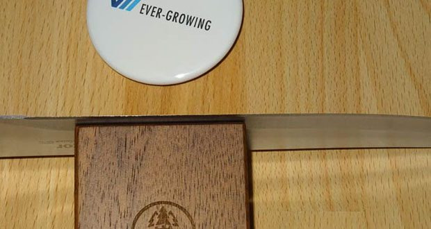 Horl-1993 Messerschärfer - die Magnet-Schleiflehre hält den idealen Schleifwinkel Ihrer Messer ganz automatisch und sorgt so bei minimalstem Materialabtrag für ein schnelles und hochwertiges Schärfergebnis. Überzeugen Sie sich vom perfekten Schnitt