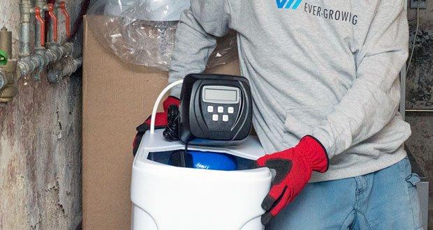 Die Wasserenthärtungsanlage CM-60 von Aqmos im Test – eine Salzfüllung reicht ganze 3-4 Monate