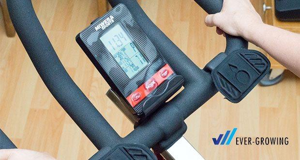 Profi Indoor Cycling MS500 von Miweba Sports - stellen Sie über das Display Trainingsparameter ein oder tracken Sie Ihre Trainingserfolge