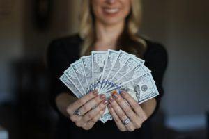 Alle Zahlen und Daten aus einem Auslagern der Lohn- und Gehaltsabrechnung Test und Vergleich