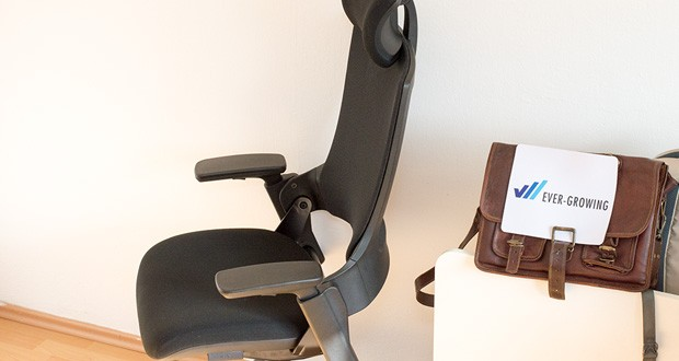 """Der beliebte Bürostuhl Ergotopia """"NextBack"""" sorgt für entspannte Muskulatur im gesamten Nacken- und Rückenbereich"""