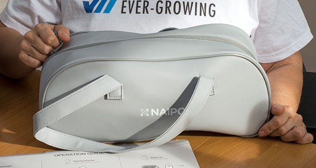 Naipo oCuddle Nackenmassagegerät im Test - ist klein und leicht und kann bequem in der Tragetasche mitgenommen werden