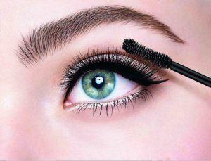 Folgende Eigenschaften sind in einem Mascara Test wichtig