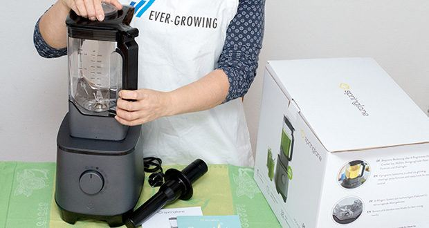 Springlane Hochleistungsmixer Hanno im Test - der 2,5-Liter-Behälter aus BPA-freiem Tritan bietet mit einer maximalen Füllmenge von 2 Litern Platz für deine Vitaminbomben
