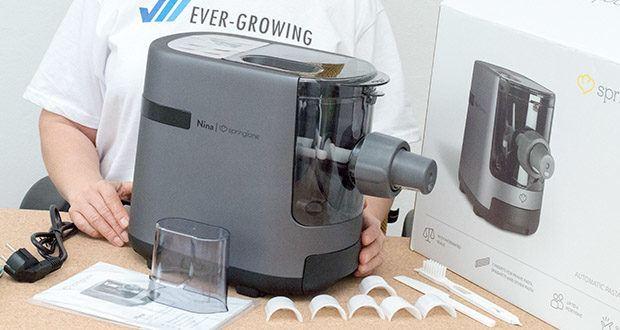 Springlane Automatische Nudelmaschine Nina im Test - der Behälter von Nina bietet Platz für 200 bis 600 g Mehl