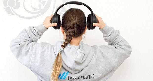 Mu6 Space 2 Active Noise Cancelling Kopfhörer im Test - verwendet einen speziellen hochdichten Memory-Schaum in der Ohrhörerpolsterung, um Geräusche zu isolieren