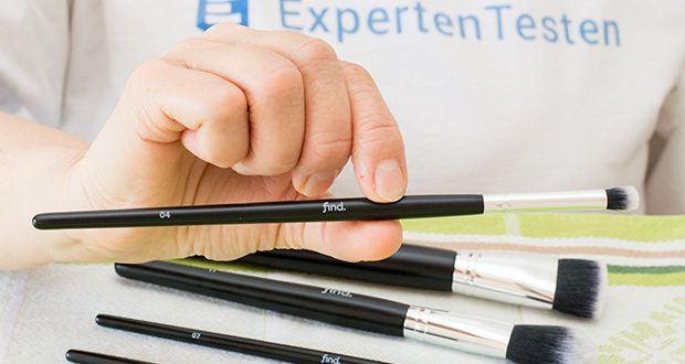 FIND Starterset 5 Pinsel im Test - der Pinsel Nr. 04 ist ideal, um Lidschatten aufzutragen und sanft zu verwischen. Mit der zulaufenden Spitze erreichen Sie jede Stelle des Lids, so dass ein perfektes Augen-Make-up und Highlighting möglich ist