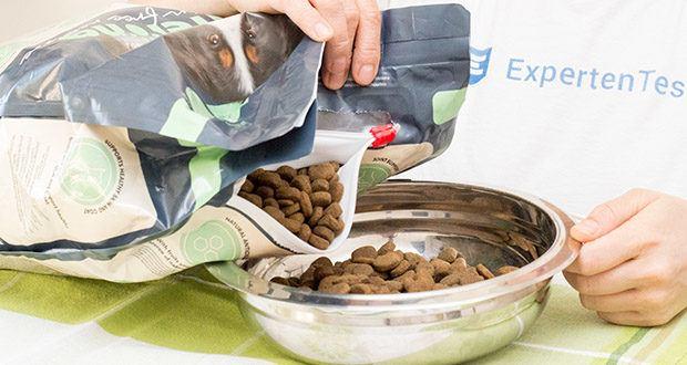 Lifelong Hundefutter für ausgewachsene Hunde mit Lamm im Test - hergestellt mit natürlichen Zutaten