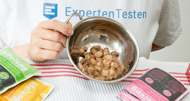 """Lifelong Katzenfutter mit Fleischauswahl im Test - Produkt enthält """"verschiedene Zucker"""" - es wird ein Karamellsirup als natürlicher Farbstoff verwendet (0,15 %); es wird kein anderer Zucker zugesetzt"""