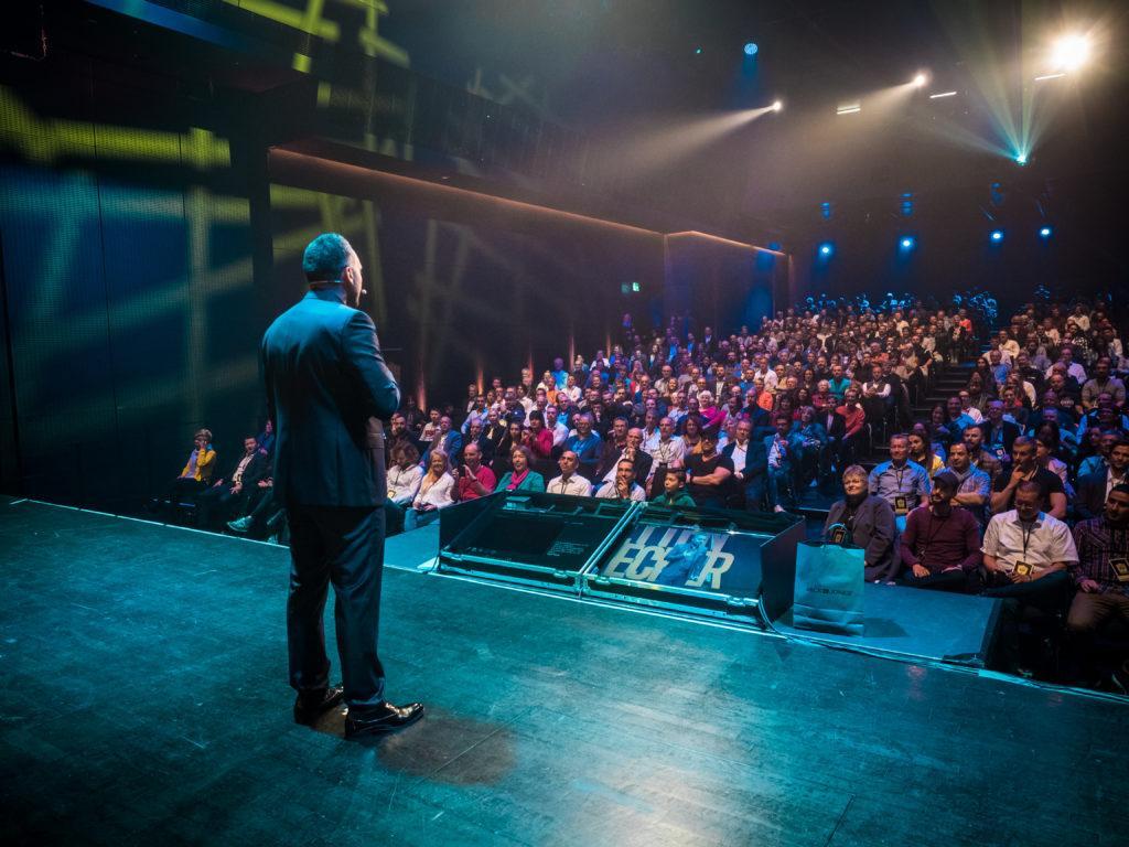 Said Shiripour auf der Bühne