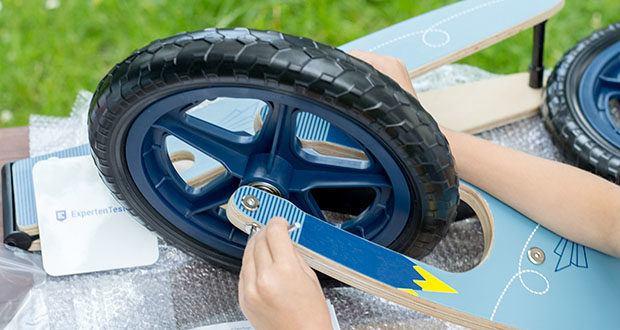 small-foot Laufrad blauer Papierflieger im Test - max. Belastbarkeit 50 kg