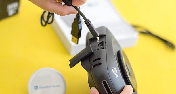 Fujifilm instax SQUARE SQ 20 Hybride Sofortbildkamera im Test - verfügt über einen Micro-USB-Anschluss zum Aufladen des Akkus sowie über einen MicroSD-/MicroSDHC-Slot zum Speichern der Bilder auf eine MicroSD-/MicroSDHC-Karte