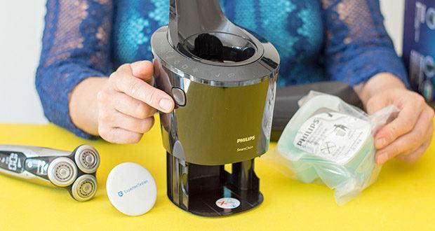 Philips S9711/31 Elektrischer Nass-und Trockenrasierer im Test - SmartClean Reinigungsstation: reinigt, lädt und ölt