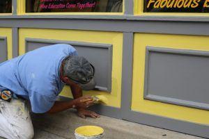 Günstiger Handwerker für Fassaden streichen